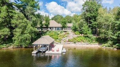 Lake of Bays Winterized cottage for sale:  3+1 3,900 sq.ft. (Listed 2020-08-07)